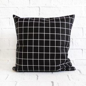 poszewka dekoracyjna do poduszki czarna krata