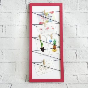 ramka z klamerkami różowa na zdjęcia notatki